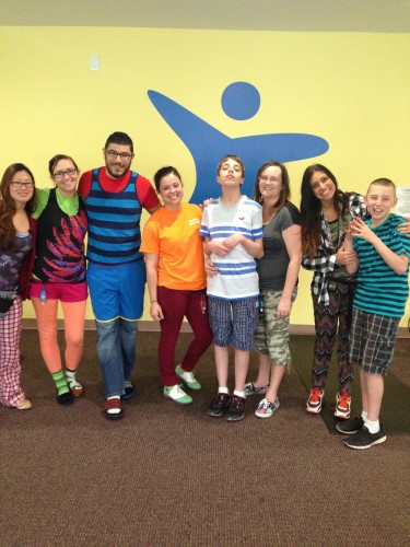 Kids and therapists participate in Mismatch Day during Spirit Week